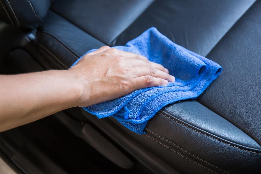 Καθαρισμός δέρματος και ενυδάτωση απολύμανση